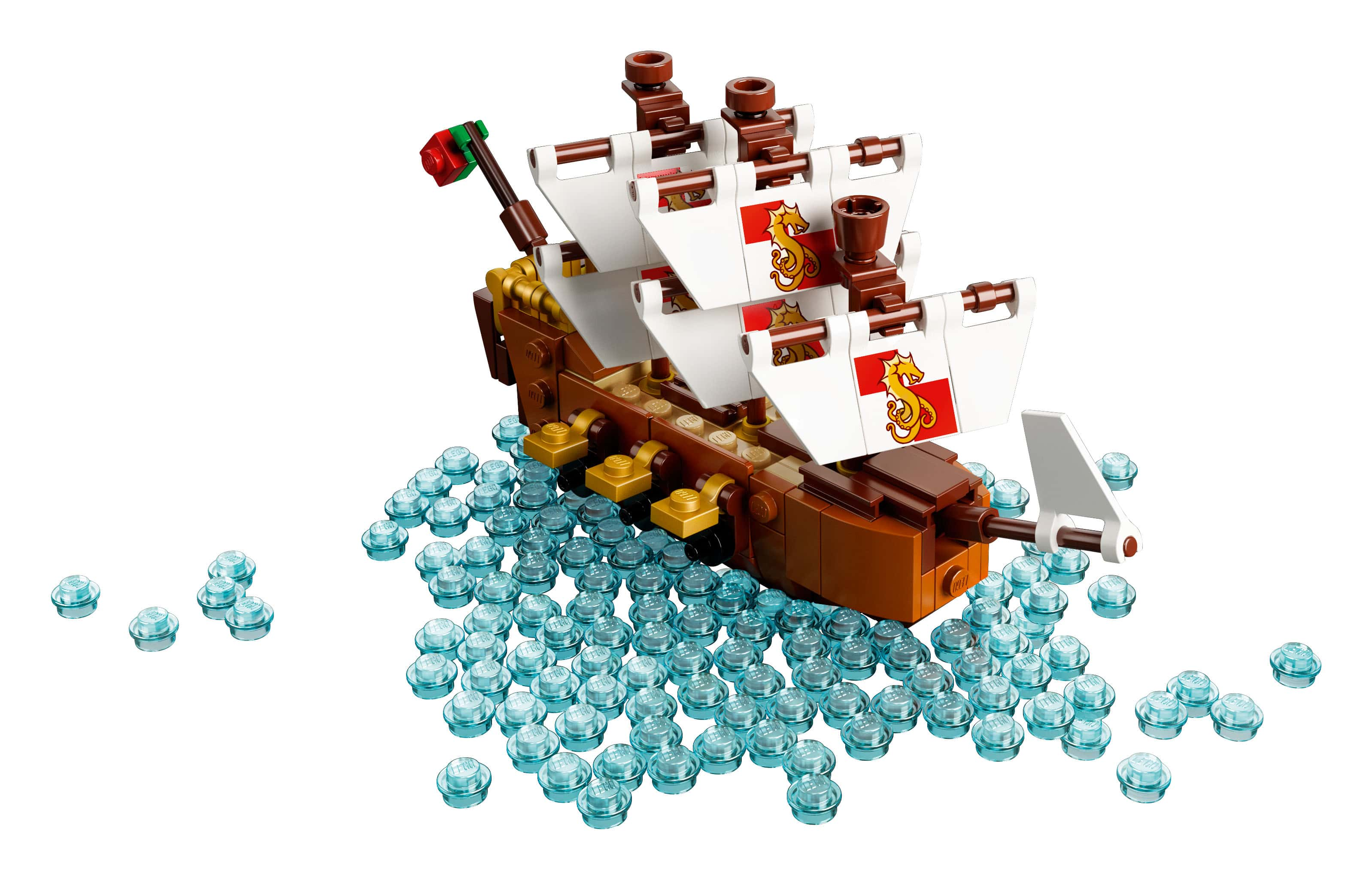 """Con tàu xinh đẹp có tên """"Leviathan"""" mặc dù """" bé bé xinh xinh"""" nhưng cũng đầy đủ công năng cơ bản như : khu thuyền truởng, cột buồm, cờ, khẩu đại bác....."""