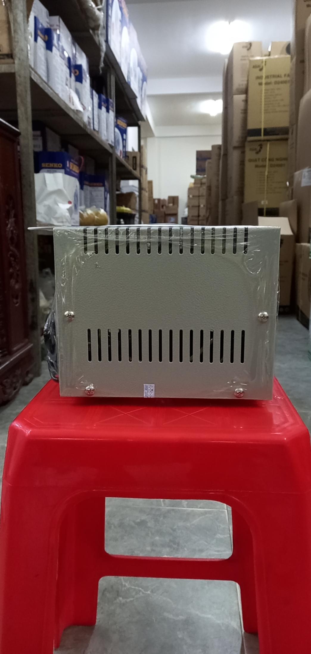 Ổn Áp Role RoBot 600VA (70-230v)