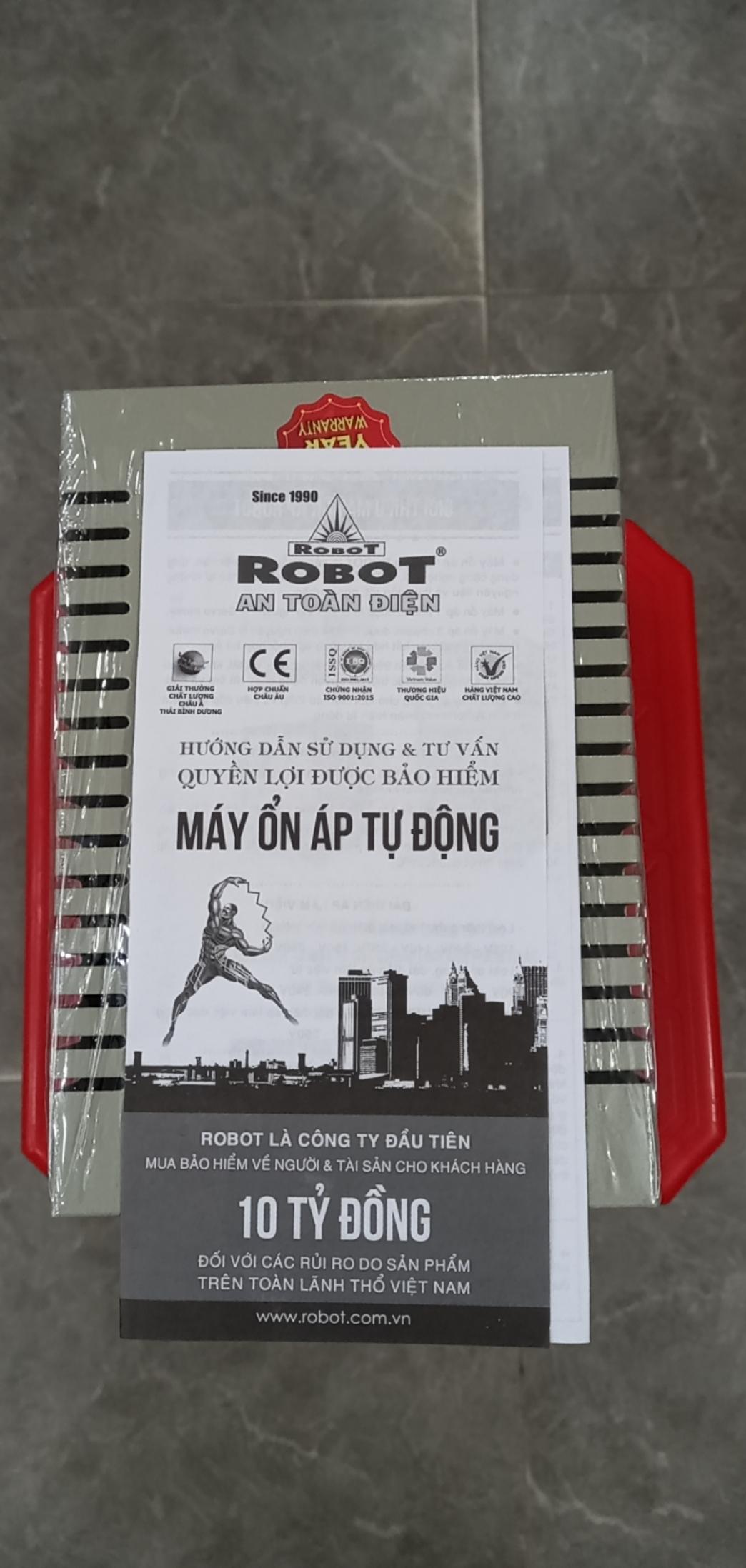 Ổn Áp Role Robot 600VA (125-240v)