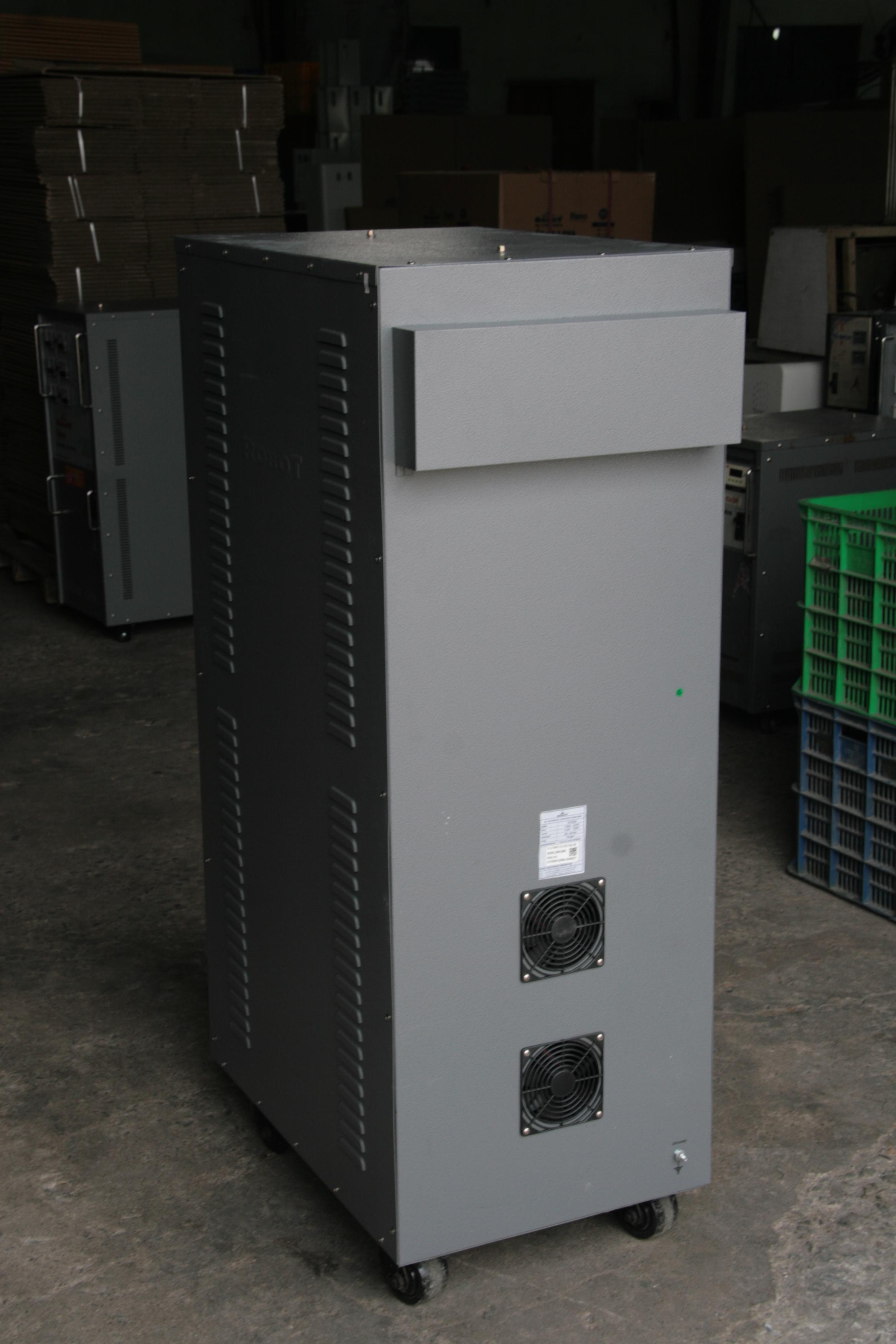 Ổn Áp Robot Reno 50KVA (150-250V) - Reno 818