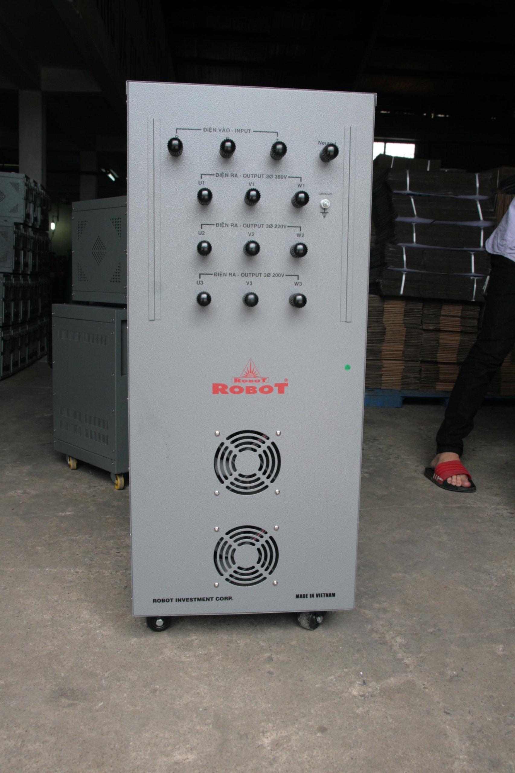 Ổn Áp Robot 3 Pha 20KVA (260-430v)