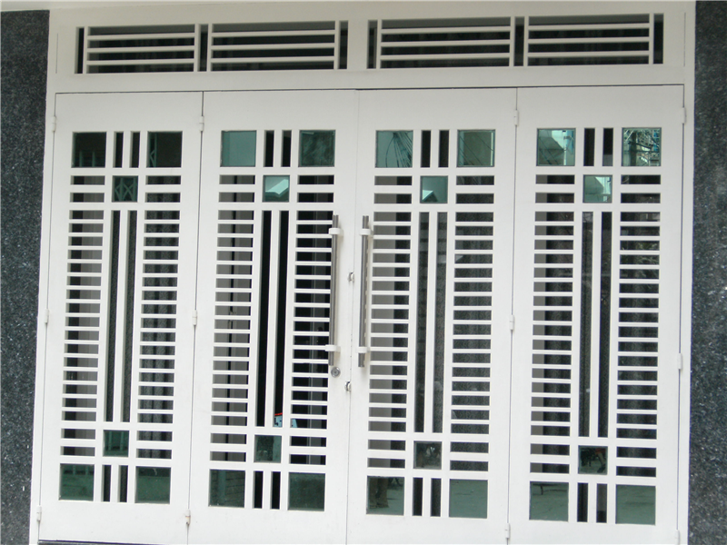 cửa sắt 4 cánh sơn tĩnh điện đẹp