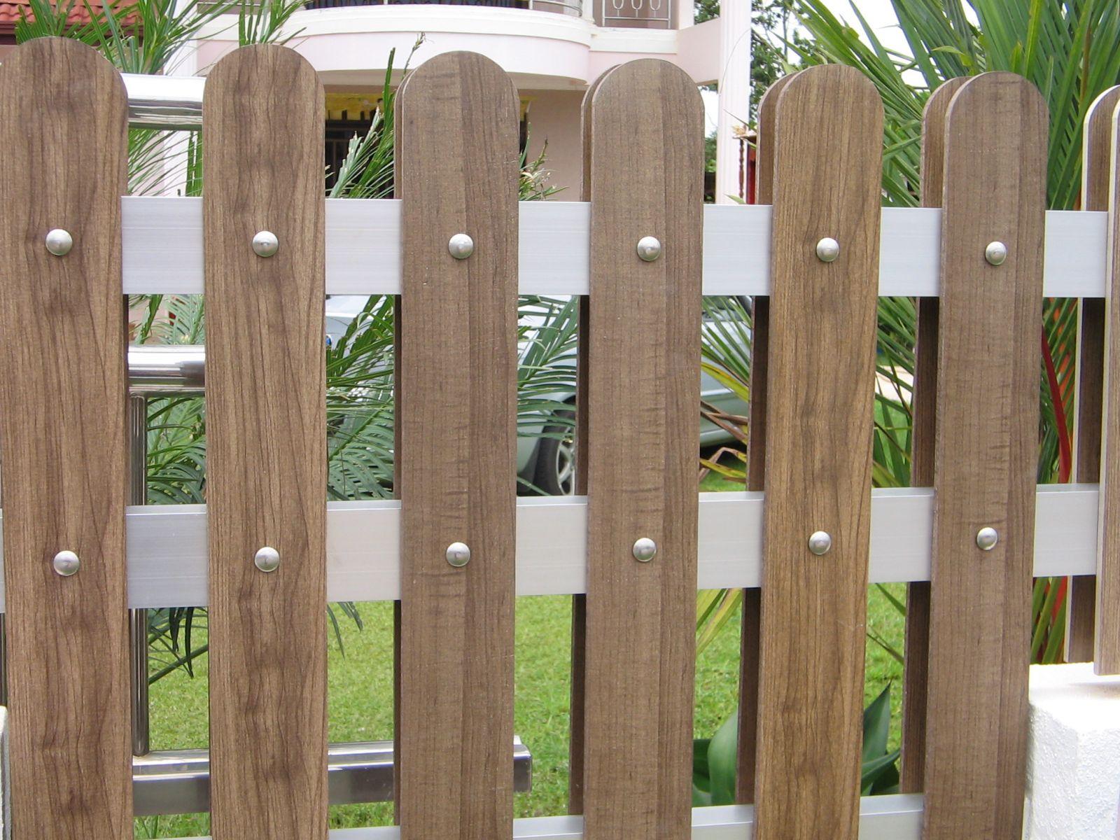 hàng rào gỗ mẫu số 2