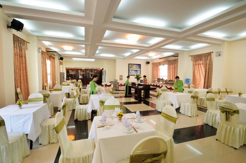 Thiết kế nhà hàng khách sạn sang trọng