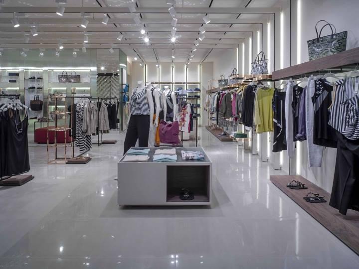 Thiết kế nội thất shop quần áo ấn tượng