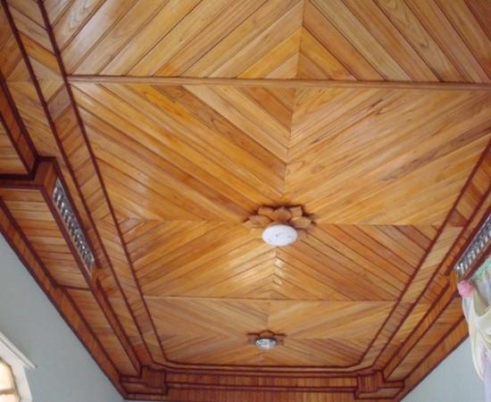 trần gỗ sồi nga]