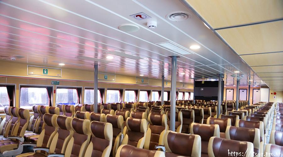 khoang hành khách tàu cao tốc tuần châu express