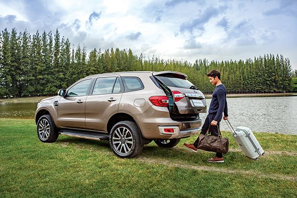 cốp sau Ford Everest 2019