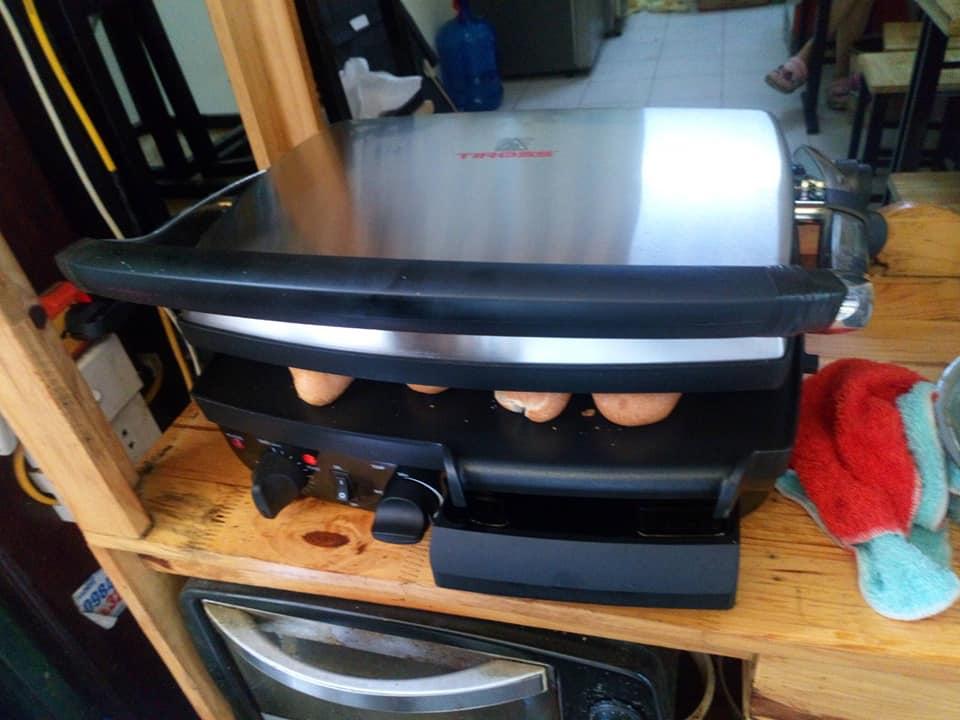 Máy kẹp bánh mì, nướng thịt đa năng cỡ đại - Tiross TS 9652