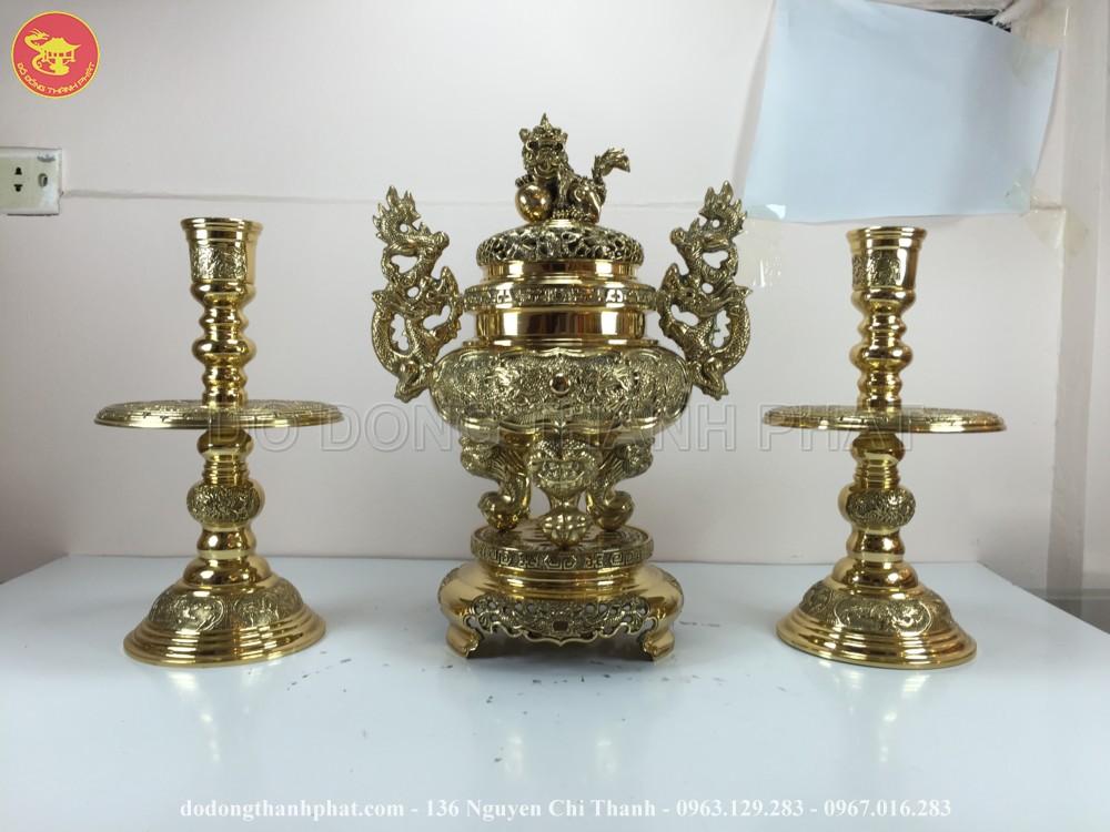bộ tam sự đỉnh nến đồng vàng