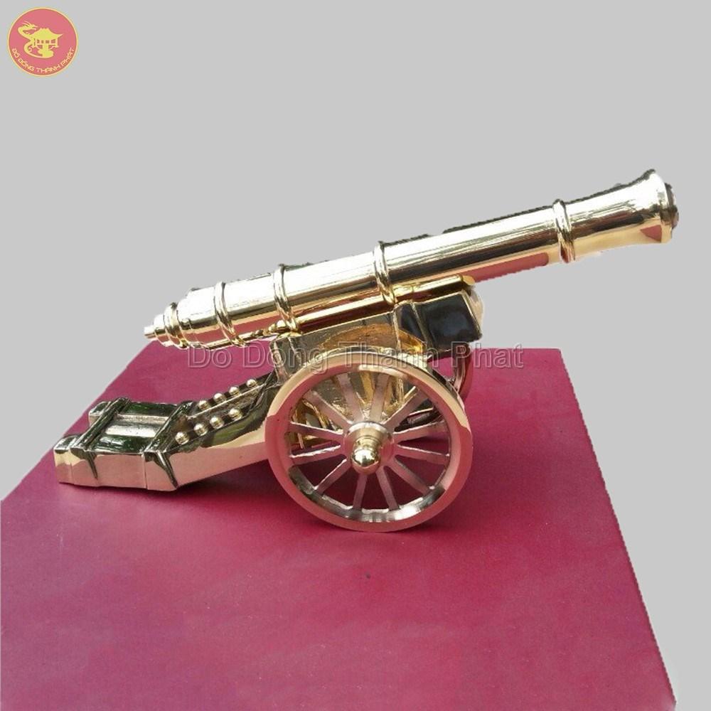 Quà tặng bằng đồng khẩu pháo thần công  mạ vàng 24k