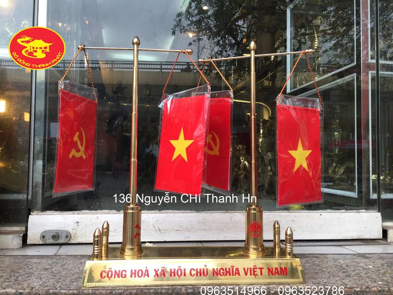 Cột Cờ Đôi 2 Thân Cờ Dùng Trang Trí Bàn Làm Việc Đẹp Bán Tại Hà Nội, Đà Nẵng, Sài Gòn