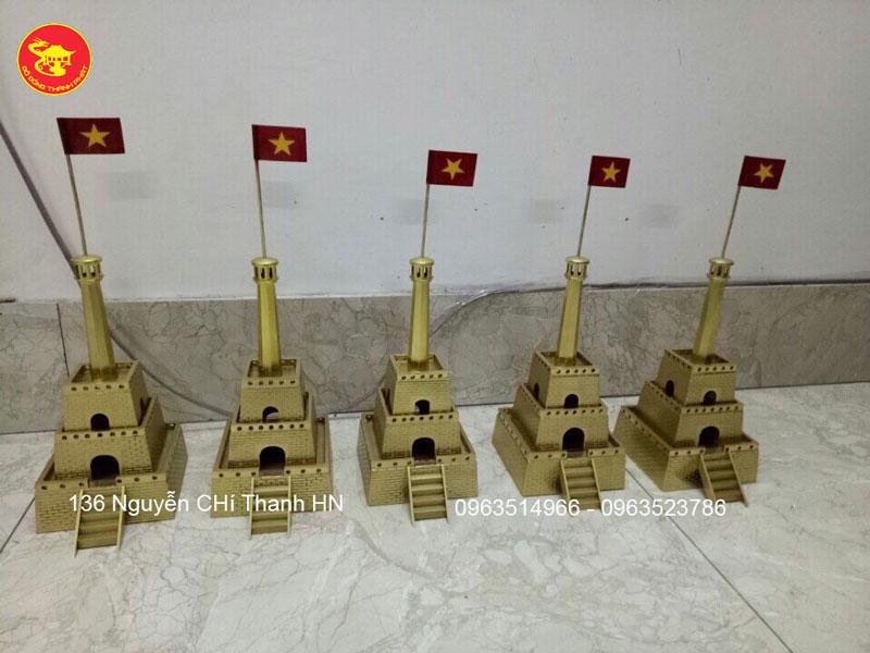 Cột Cờ Hà Nội Bằng Đồng Kiểu Dáng Đẹp Cao 46cm