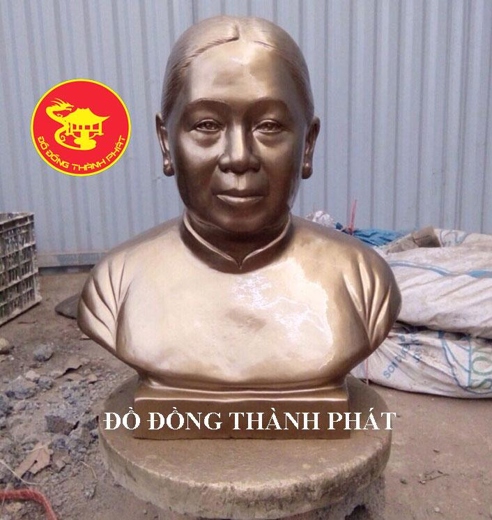 Địa chỉ Đúc Tượng Chân Dung Bán Thân Cụ Bà đẹp uy tín tại Hà Nội, Đà Nẵng, HCM
