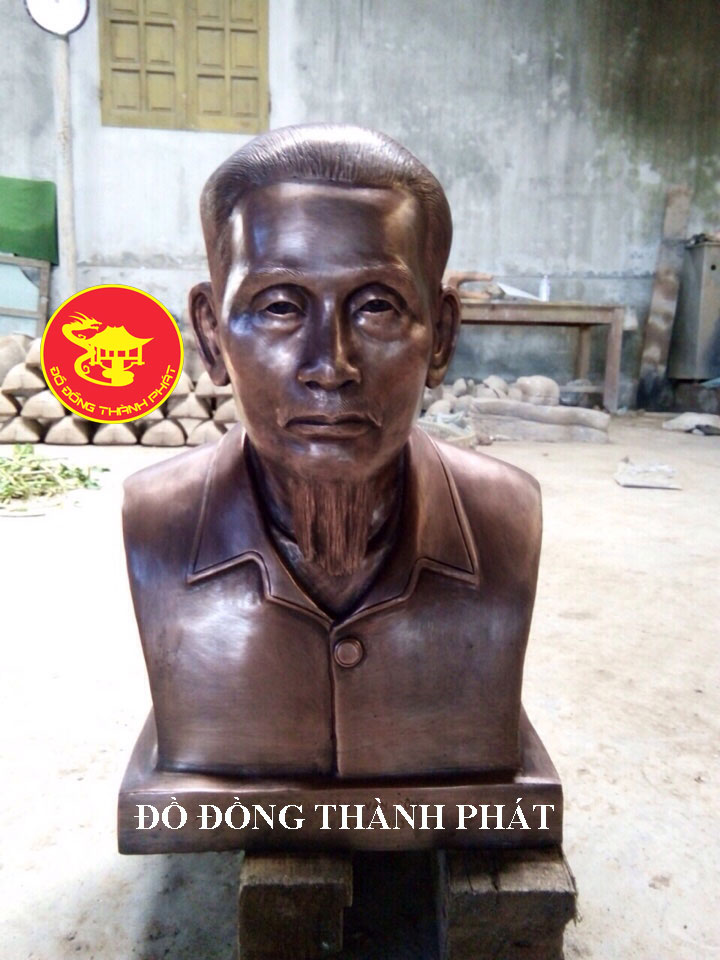 Đúc Tượng Chân Dung Bán Thân Cụ Ông Cao 48 cm Bằng Đồng