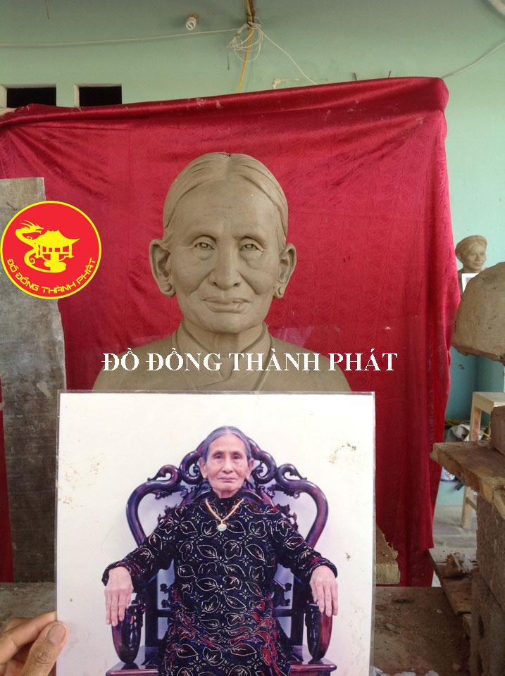 Địa chỉ đúc Tượng Chân Dung Bán Thân Cụ Bà Cao 42 cm tại Hà Nội, Đà Nẵng, HCM