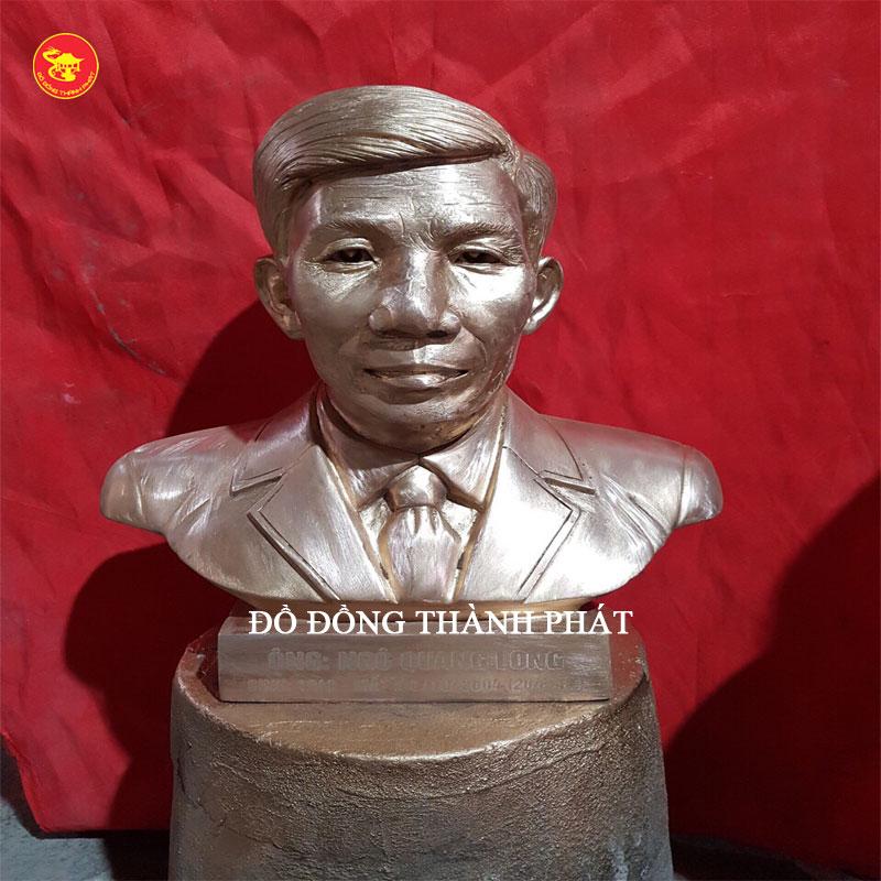 Đúc tượng cụ ông cao 42 cm tại Nam Định