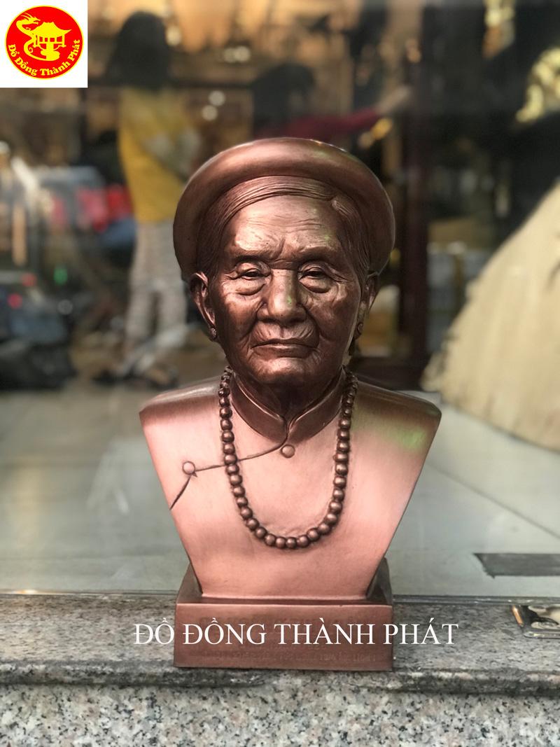 Đúc Tượng Đồng Bán Thân Truyền Thần Cho Người Quá Cố Cao 42 cm Khách Tây Hồ Hà Nội