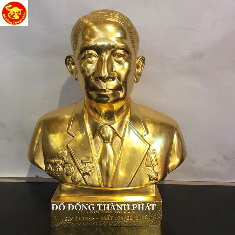 Đúc tượng cụ ông cao 48 cm mạ vàng