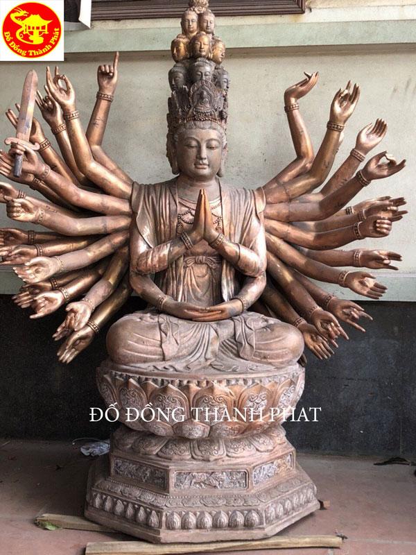Đúc Tượng Phật Bằng Đồng Bồ Tát Trăm tay Ngàn Mắt Đúc Đồng Đỏ Nguyên Khối Cao 2 m Cho Chùa tại Quảng Nam