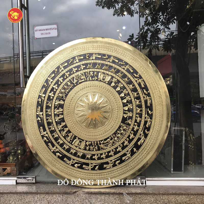Mặt trống đồng Ngọc Lũ mạ vàng đường kính 50 cm