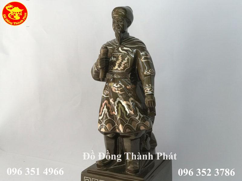 Tượng Danh Nhân Trần Quốc Tuấn Bằng Đồng Khảm Tam Khí