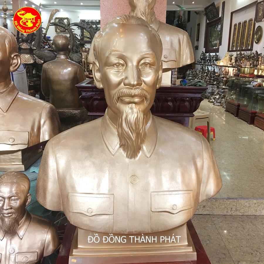 Tượng Bán Thân Chân Dung Bác Hồ Cao 1,27m Bằng Đồng Vàng Diện Đẹp