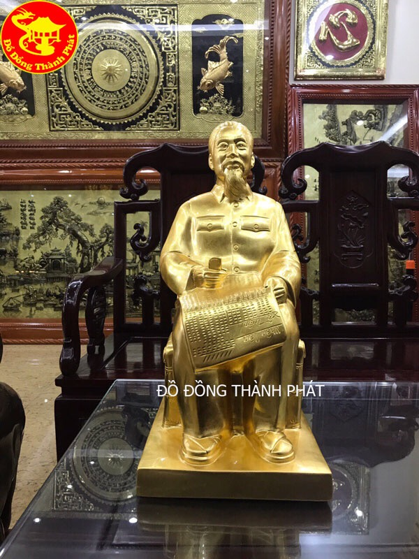 Tượng Đồng Bác Hồ Ngồi Ghế Mây Đọc Báo Thiếp Vàng 9999 Cao Cấp Bán Tại Hà Nội, Đà Nẵng, Sài Gòn