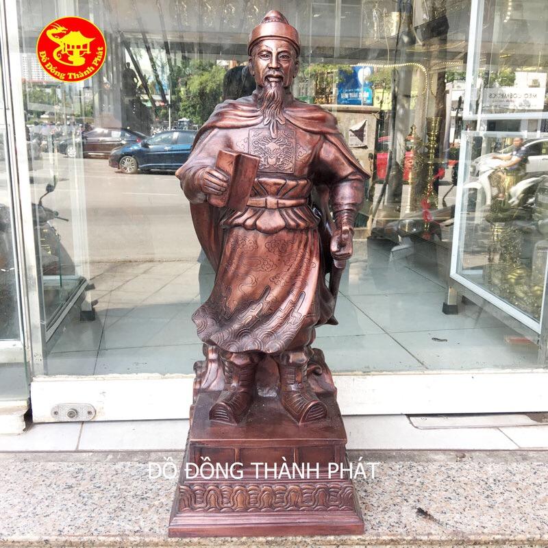 Tượng Trần Quốc Tuấn bằng đồng quà tặng trưng bày bàn lầm việc đẹp tại Hà Nội