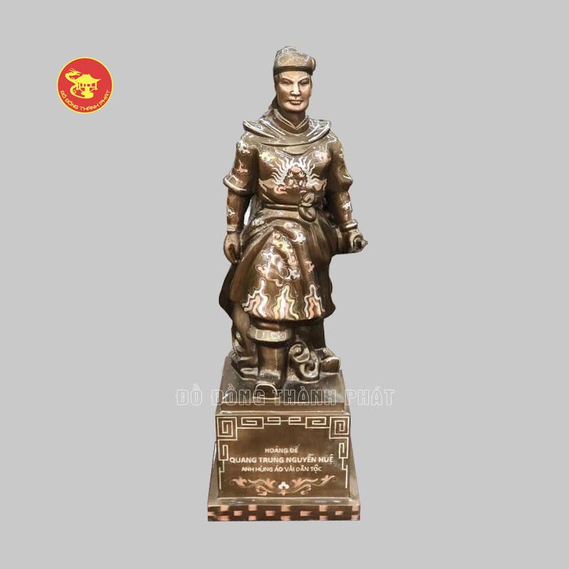 Tượng Quang Trung Nguyễn Huệ bằng đồng