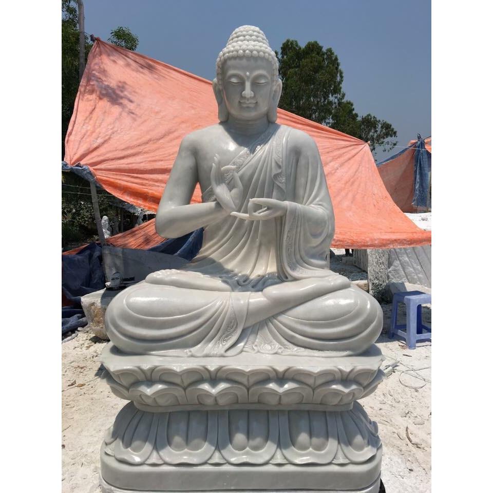 Tượng Phật ngồi đài sen