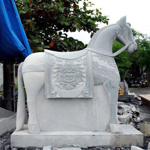 Ngựa đá 07
