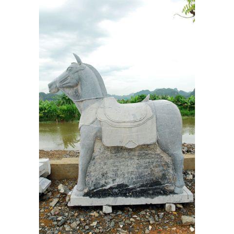 Ngựa đá 08