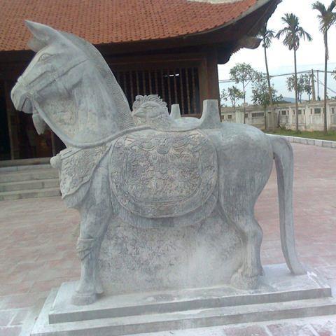Ngựa đá 05