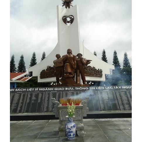 Đài tưởng niệm 02