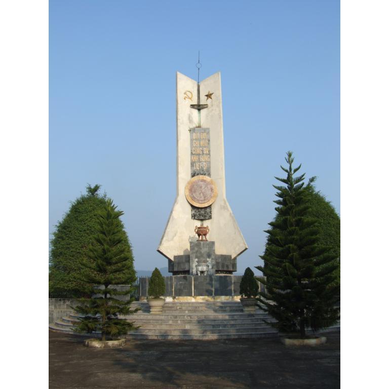 Đài tưởng niệm 03