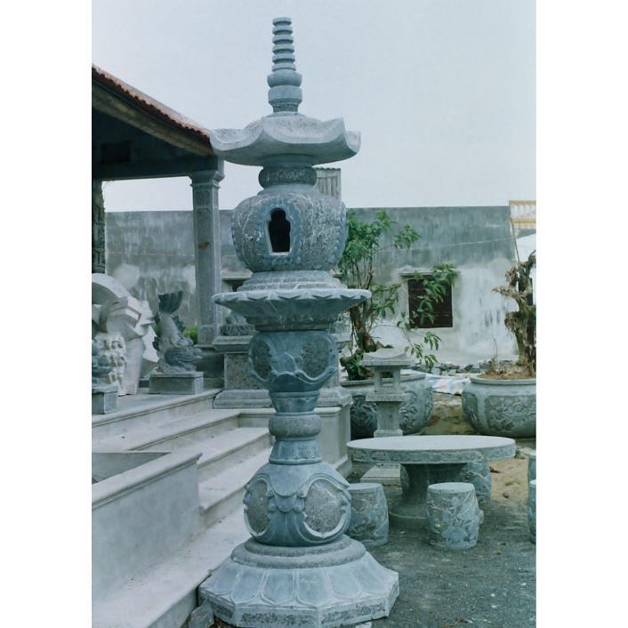 Đèn đá đình chùa 03