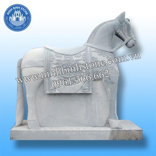 Ngựa đá 011
