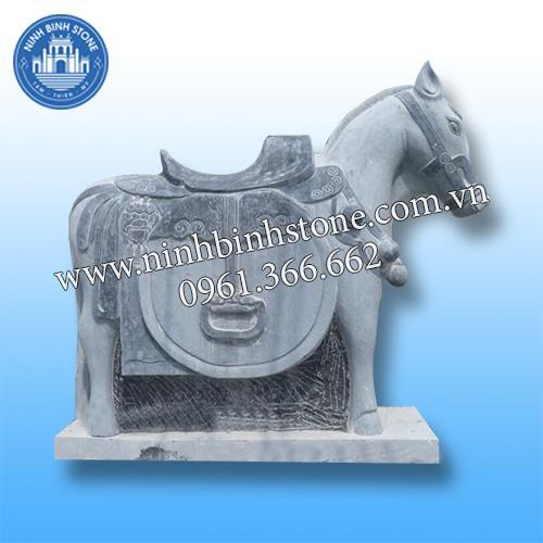 Ngựa đá 012