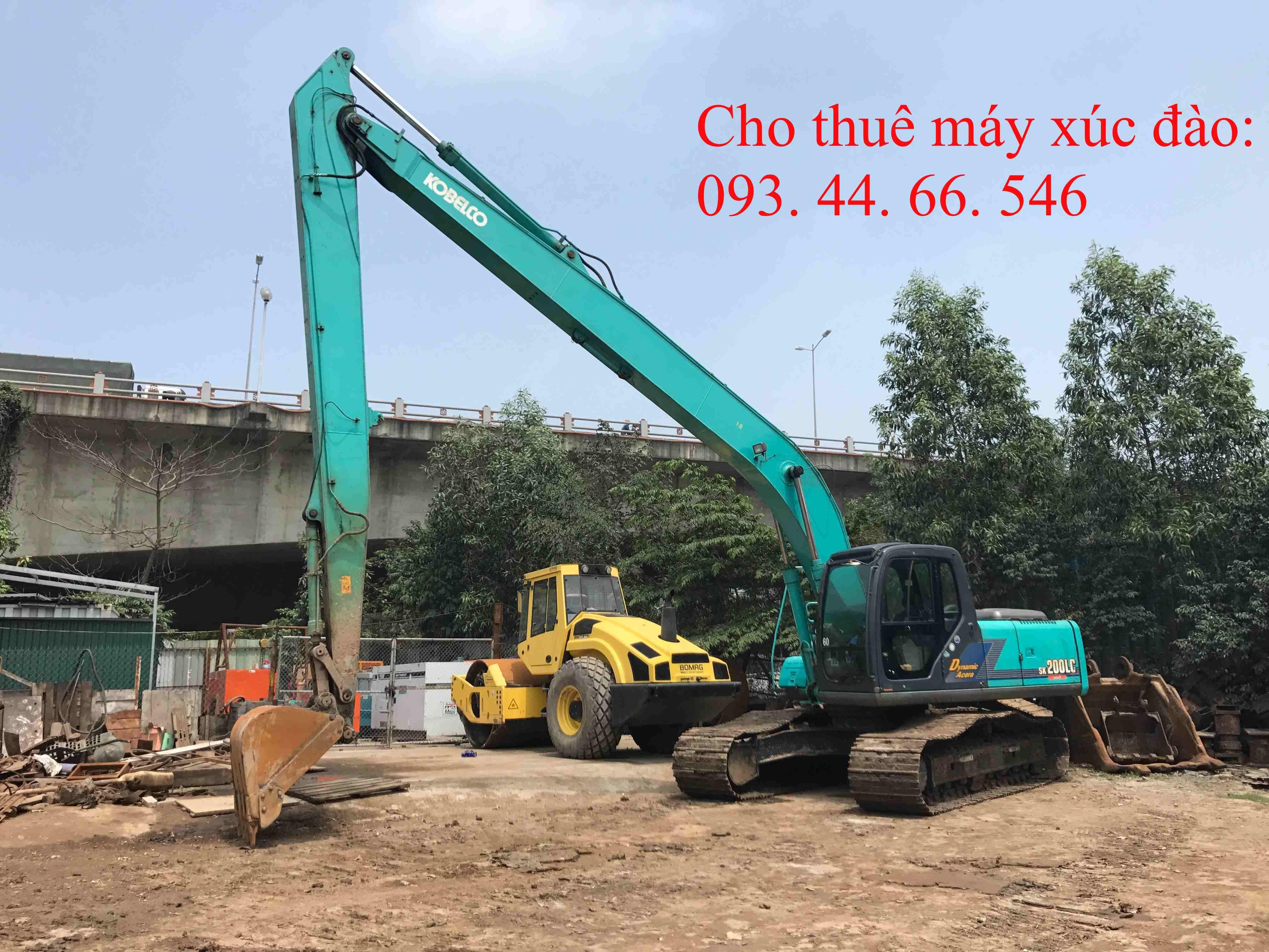 Cho thuê máy xúc đào cần dài Kobelco SK200- 6LC