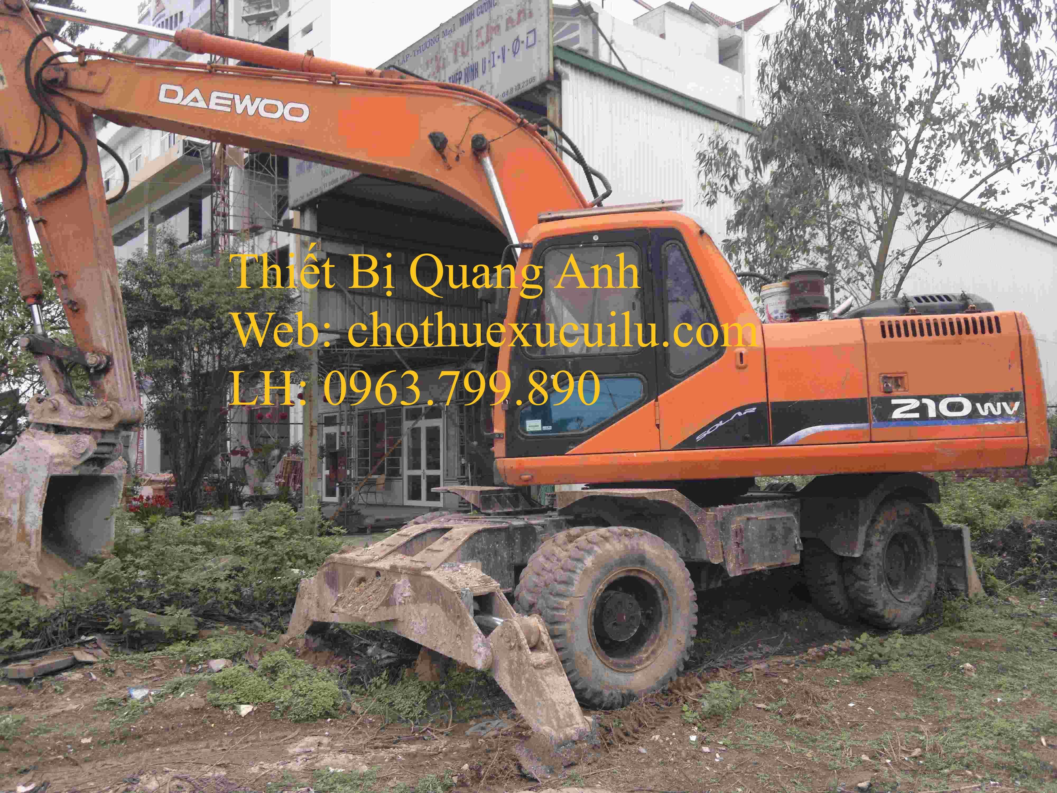 Cho thuê máy xúc đào bánh lốp daewoo 210wv