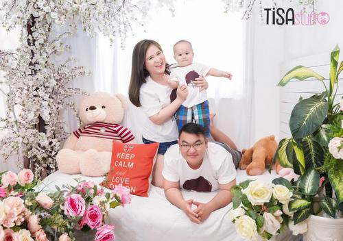 chụp hình gia đình studio