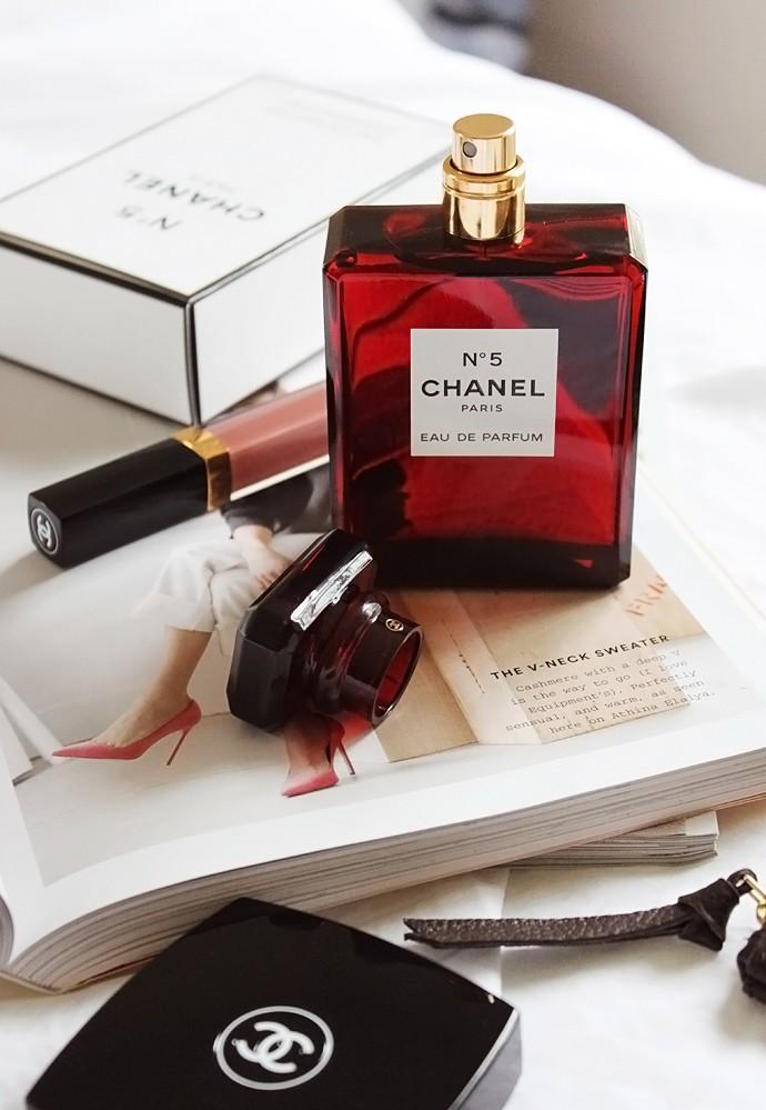0232ea53 Chanel No.5 L'eau Red Limited Edition