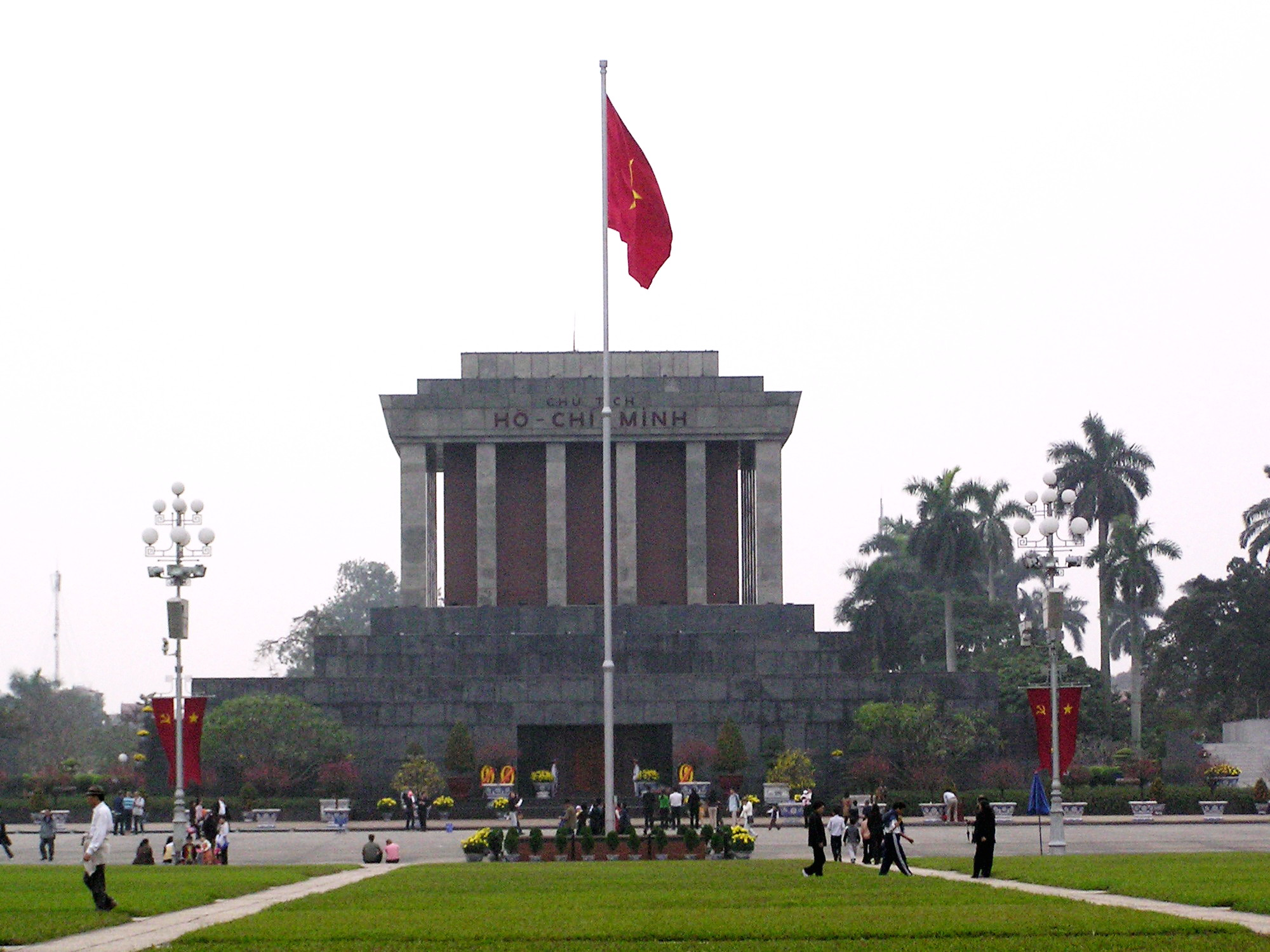 Short Hanoi Old Quarter Trip during flight transit time by 16 Seats Minibus