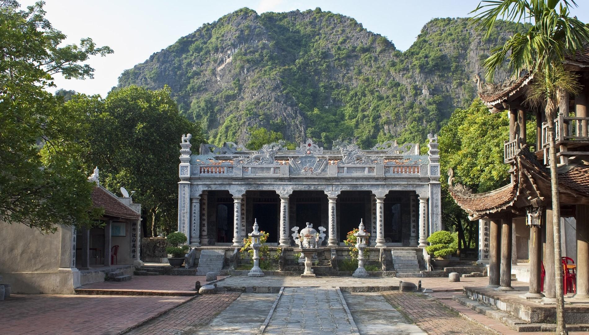 Hanoi - Ninh Binh Private Transfer by 4 Seats Car