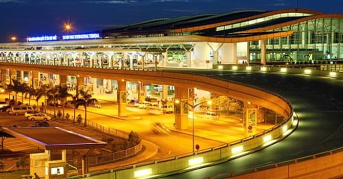 Tan Son Nhat Airport Private Transfer by 16 Seats Minibus
