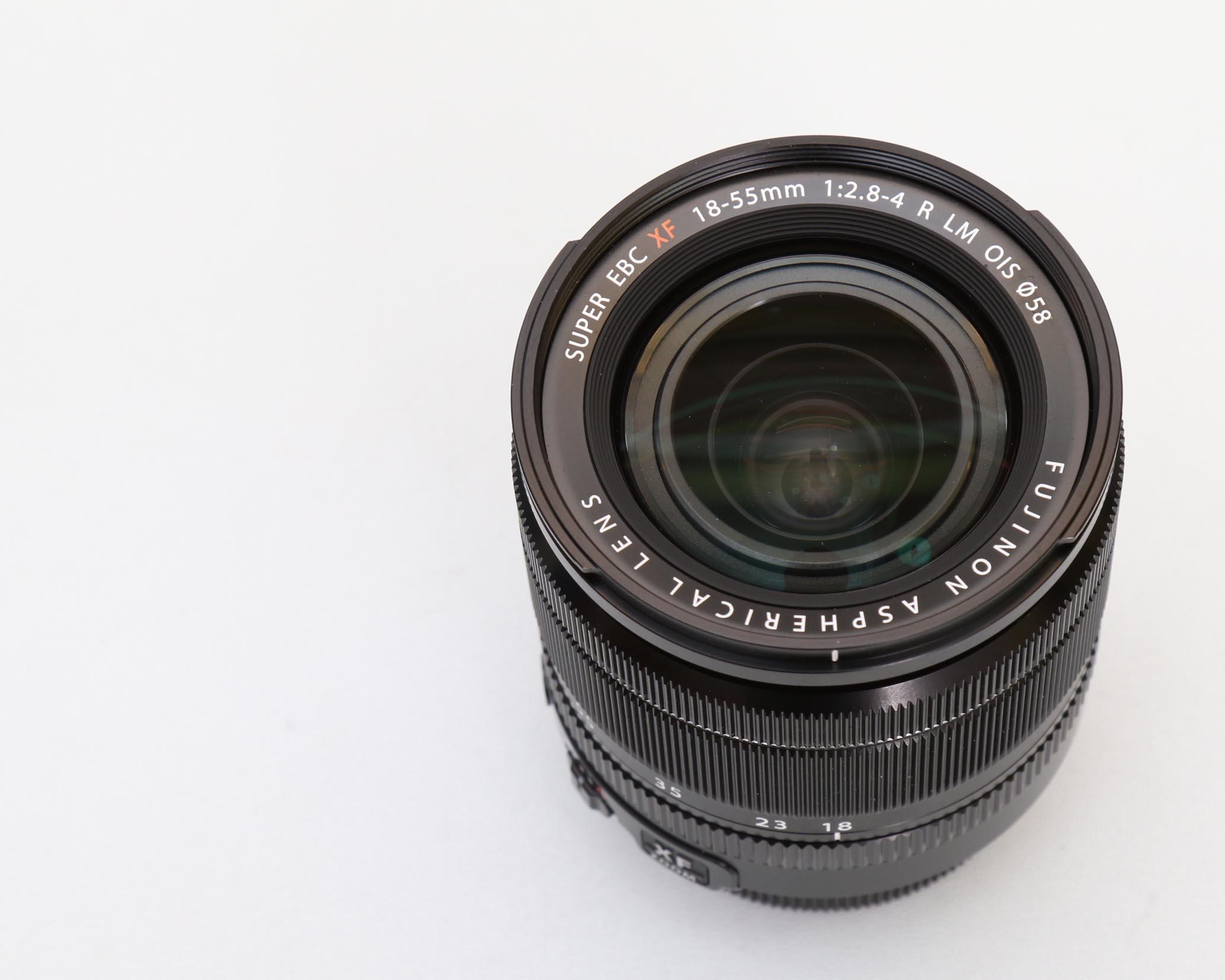 Fujifilm 18-55mm f / 2.8-4 XF R LM OIS