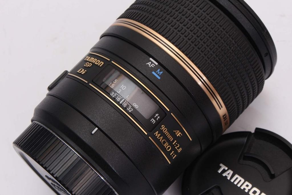 Tamron 90mm f/2.8 SP AF Di Macro Lens for Canon / Nikon