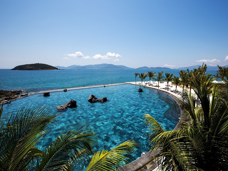 Amiana-resort-nha-trang-swimming-pool
