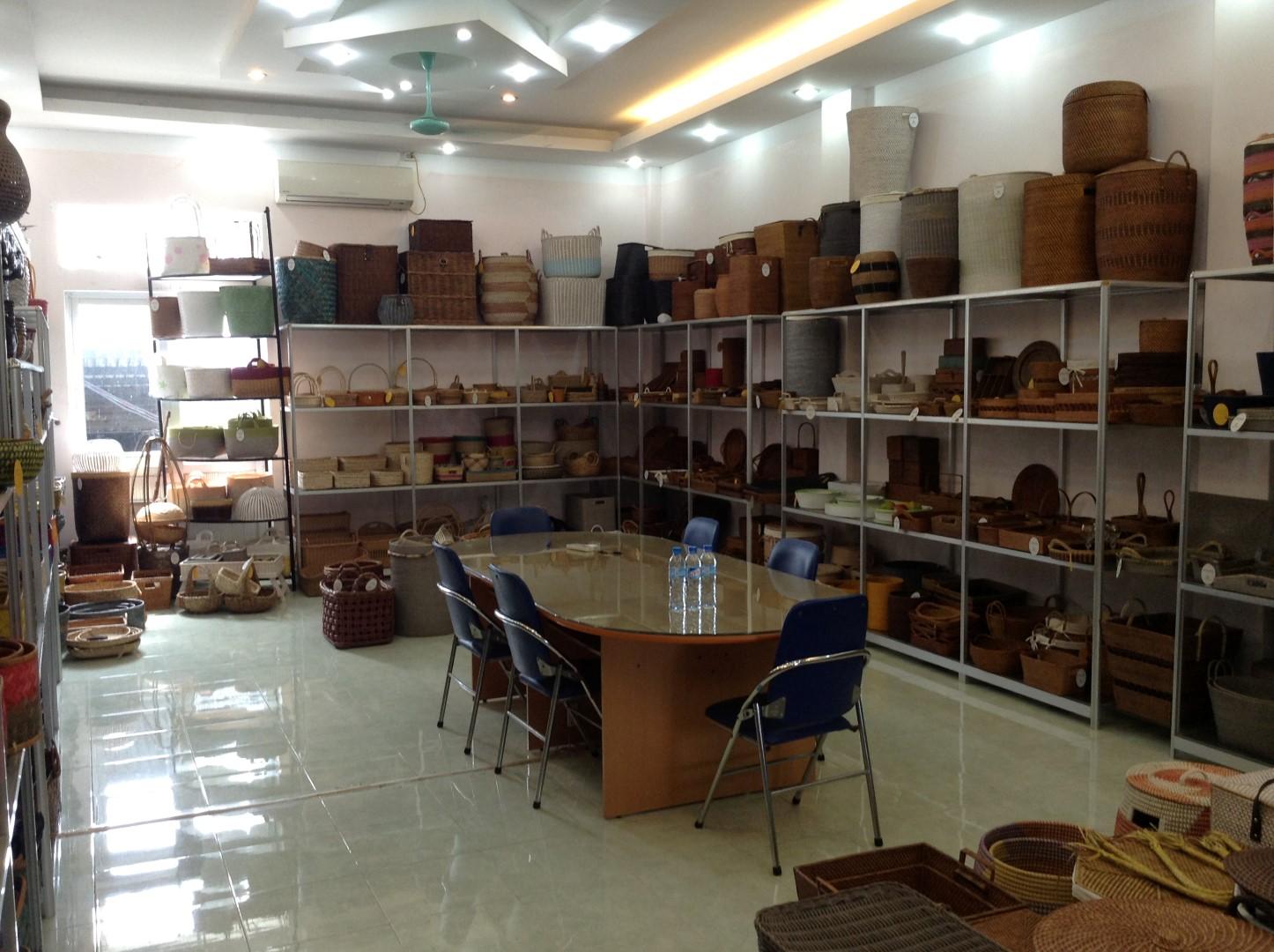 showroom 003